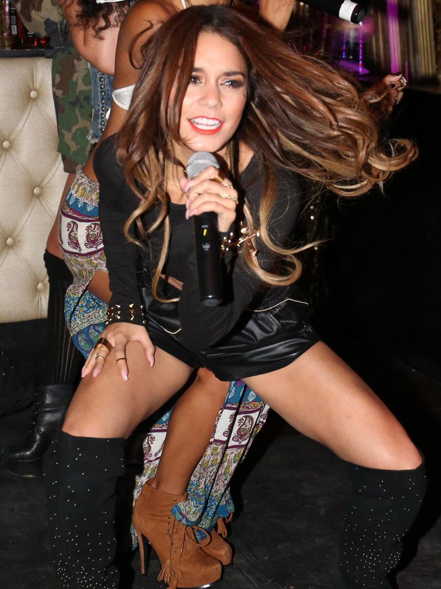 Vanessa Hot Pussy 106