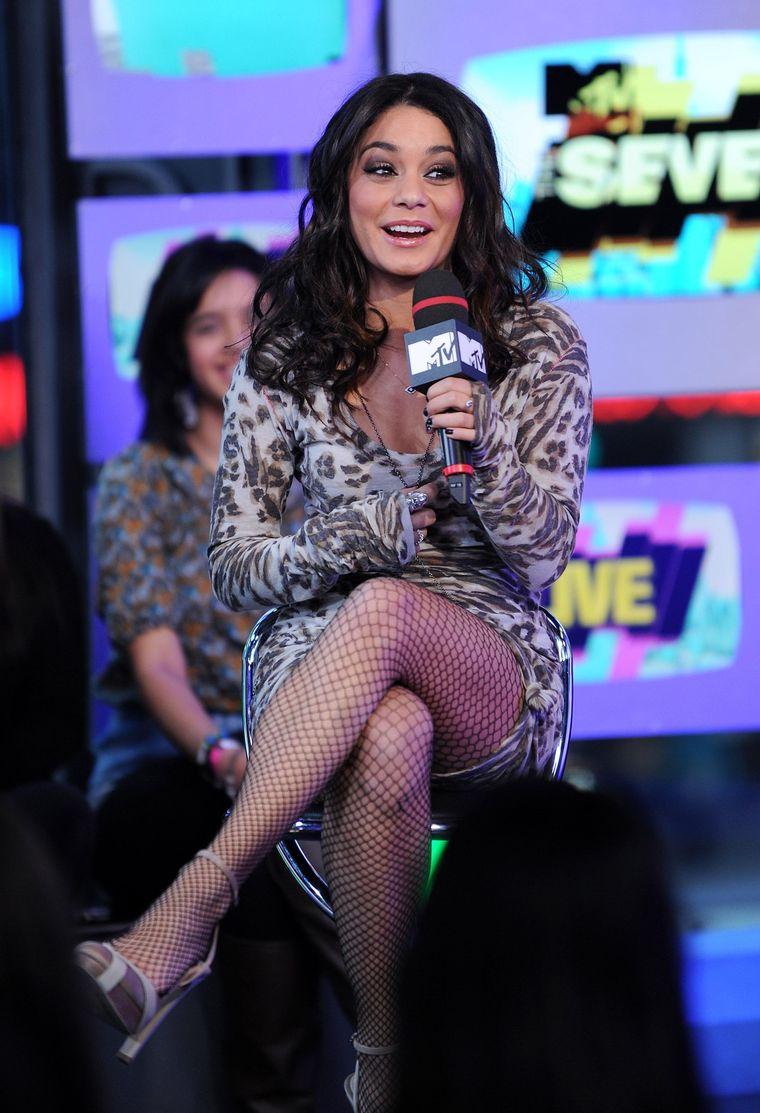 Vanessa hudgens in pantyhose where