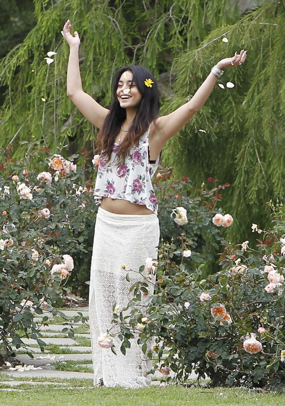 Vanessa Hudgens - The Huntington Library Botanical Gardens - San Marino