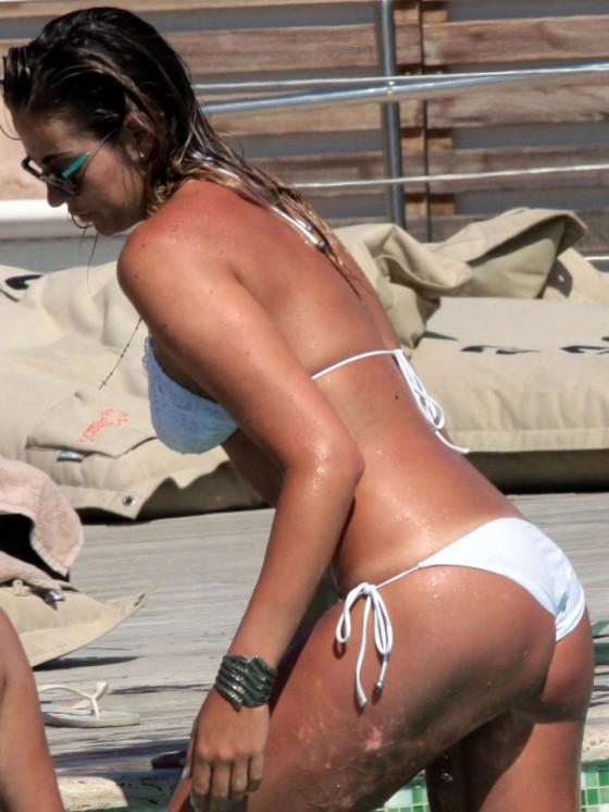Veronica Angeloni - Bikini Candids Poolside in Forte Dei Marmi-02
