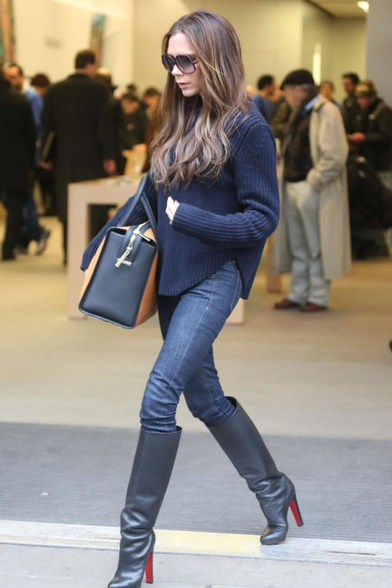 victoria beckham in jeans and boots 10 gotceleb. Black Bedroom Furniture Sets. Home Design Ideas