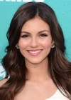 Victoria Justice - 2012 MTV Movie Awards - Universal Studios-04