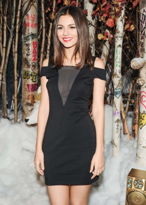 Victoria Justice - 2014 Barney's Holiday Window Unveiling