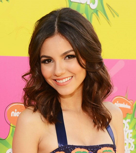Victoria Justice – 2013 Kids Choice Awards -14