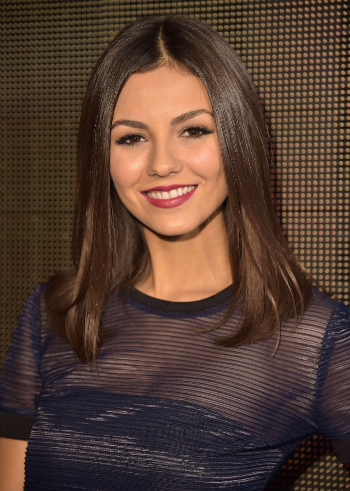 Victoria Justice - DKNY Women's fashion show in NYC