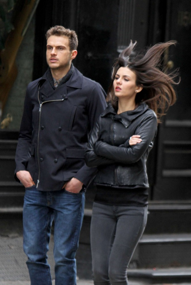Victoria Justice on Eye Candy -05