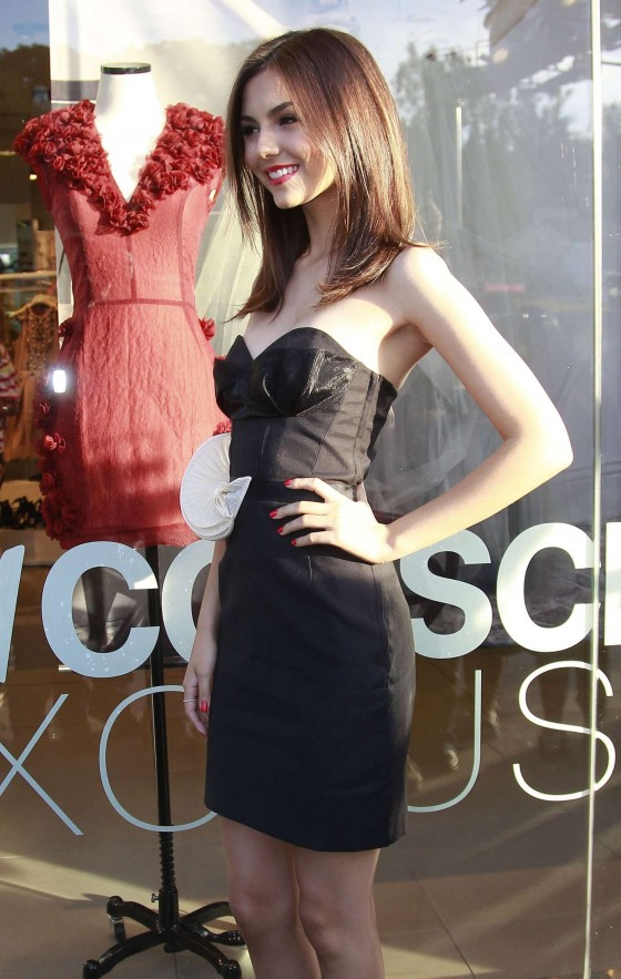 Victoria Justice – HM Conscious Collection Launch -03