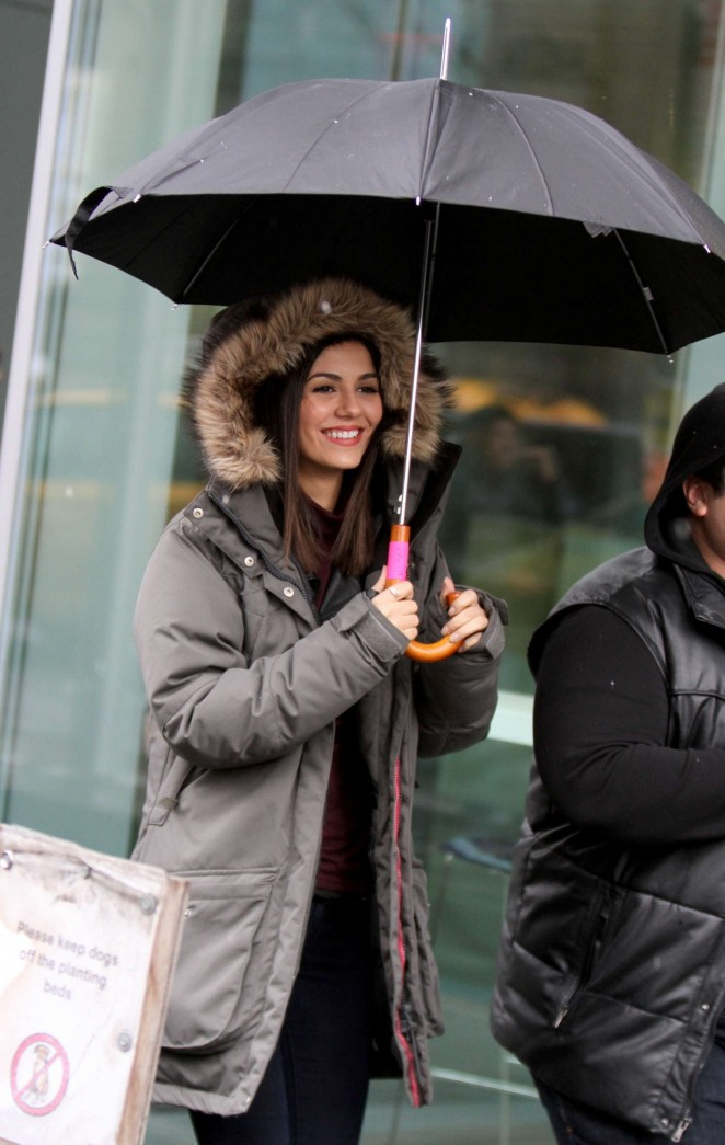 Victoria Justice - Filming 'Eye Candy' in NY