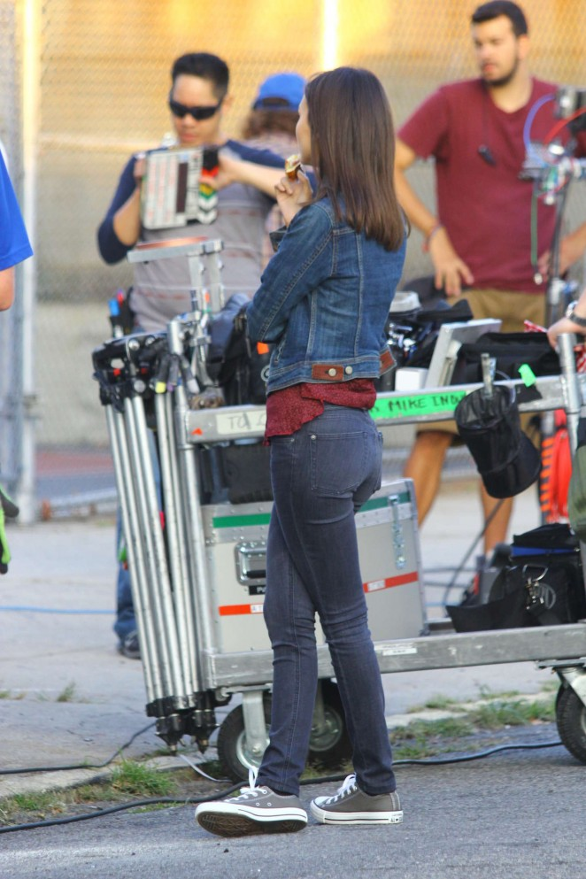 "Victoria Justice - Set of ""Eye Candy"" in NYC"