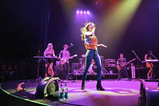 Victoria Justice – South Shore Music Circus 2012 -11