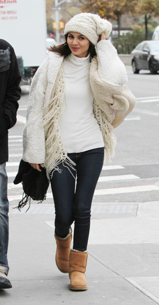 Victoria Justice in tight jeans - Out and about in Soho