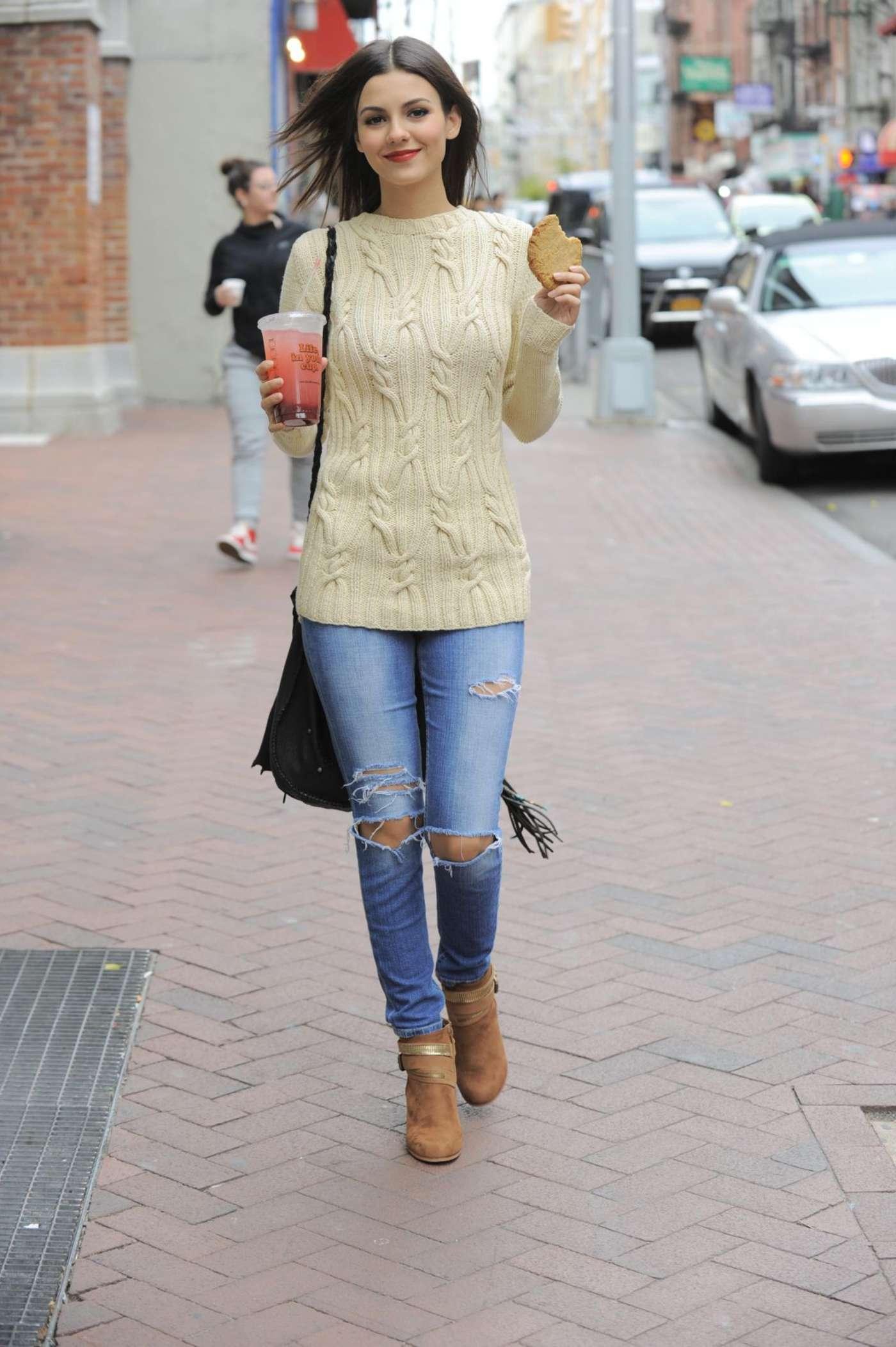 Victoria Justice In Skinny Jeans 11 Gotceleb