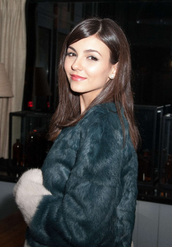 Victoria Justice at Beautiful Creatures Screening -01