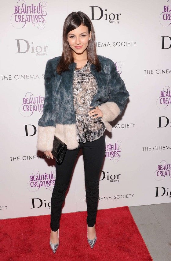Victoria Justice at Beautiful Creatures Screening -03