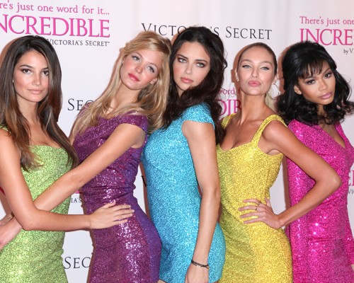 "The ladies of Victoria's Secret premiered the new VS ""Incredible"" line"