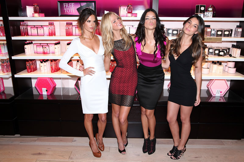 victoria's secret 2011 : victorias-secret-model-fashions-night-out-event-in-ny-03