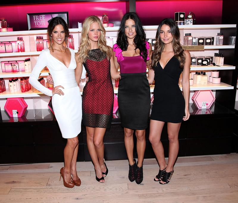 victoria's secret 2011 : victorias-secret-model-fashions-night-out-event-in-ny-07