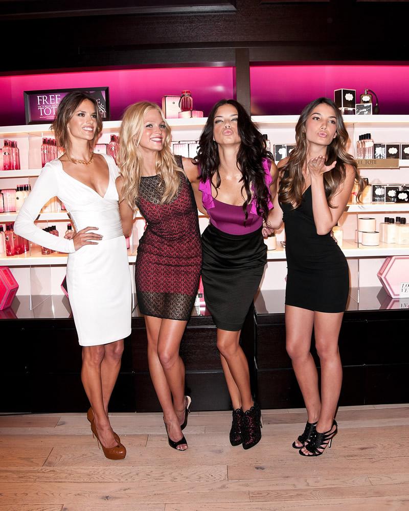 victoria's secret 2011 : victorias-secret-model-fashions-night-out-event-in-ny-10