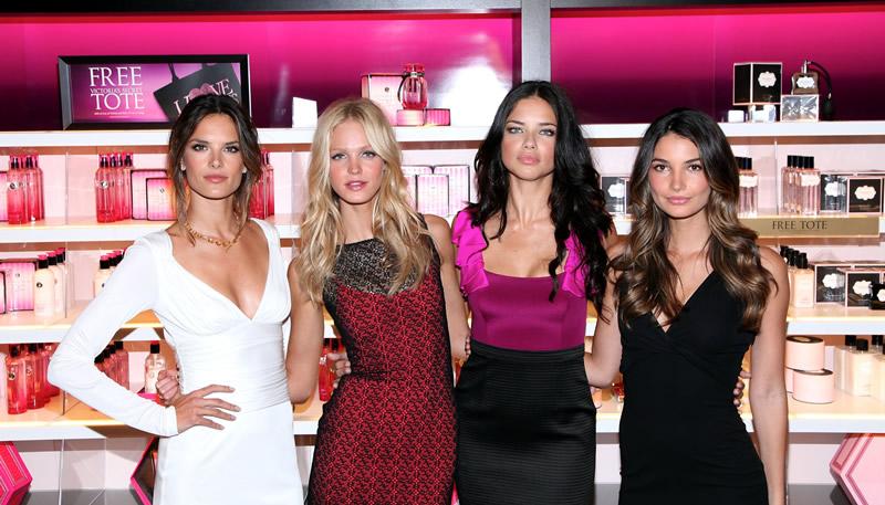 victoria's secret 2011 : victorias-secret-model-fashions-night-out-event-in-ny-17