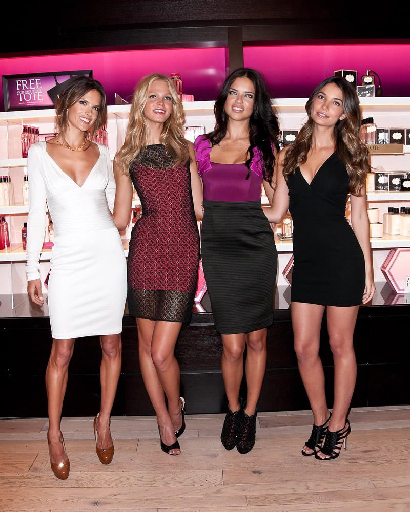 victoria's secret 2011 : victorias-secret-model-fashions-night-out-event-in-ny-18