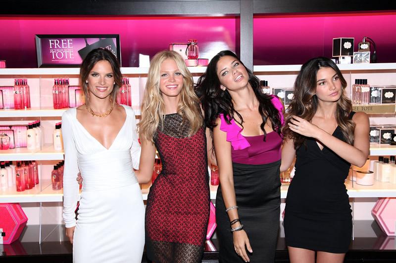 victoria's secret 2011 : victorias-secret-model-fashions-night-out-event-in-ny-24