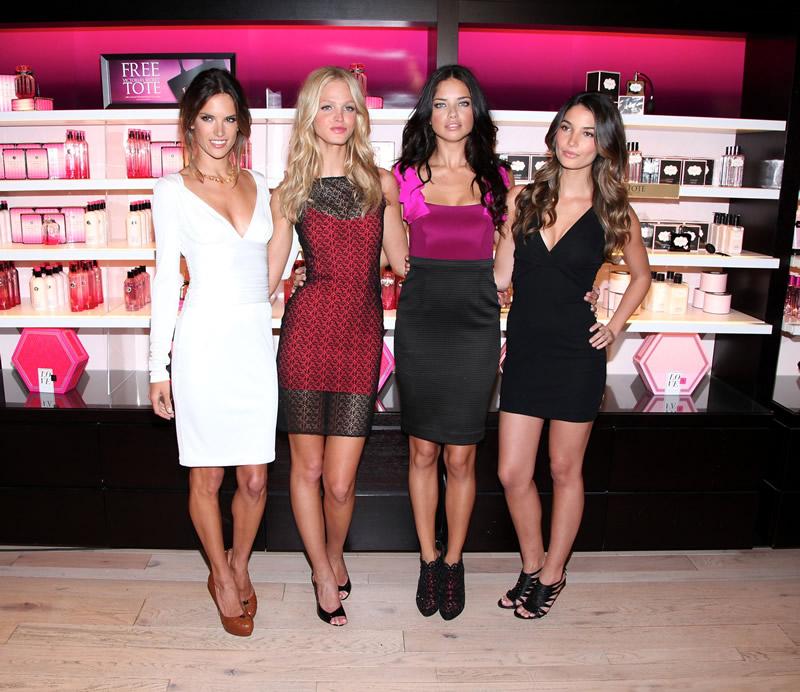 victoria's secret 2011 : victorias-secret-model-fashions-night-out-event-in-ny-27