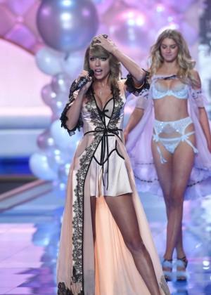 Victorias Secrete Show 2014 -01