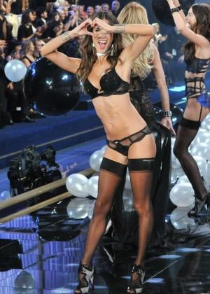 Victorias Secrete Show 2014 -18