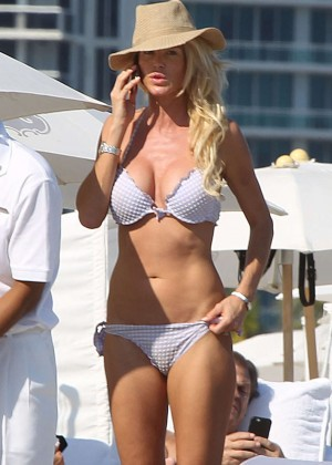 Victoria Silvstedt in Purple Bikini on the Beach in Miami