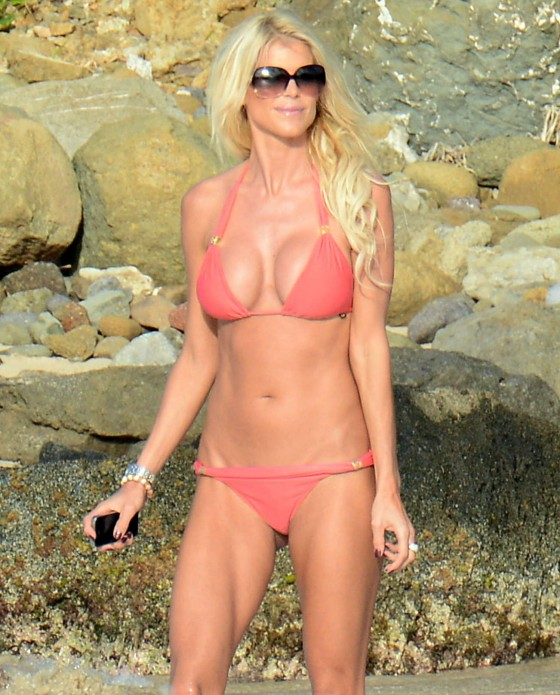 Victoria Silvstedt wearing red bikini on the beach in St Barths 01/04/2013