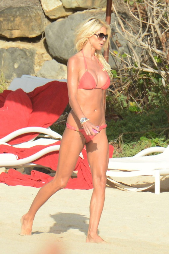 Victoria Silvstedt in red bikini -29