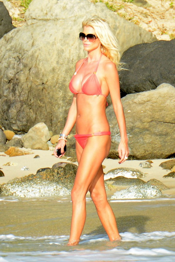 Victoria Silvstedt in red bikini -38