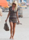 victoria-silvstedt-wearing-bikini-at-miami-beach-11