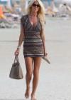 victoria-silvstedt-wearing-bikini-at-miami-beach-15