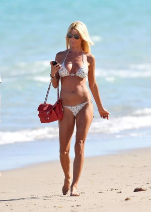 Victoria Silvstedt Bikini Photos: Miami 2014 -05