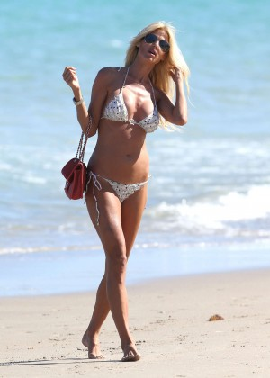 Victoria Silvstedt Bikini Photos: Miami 2014 -22