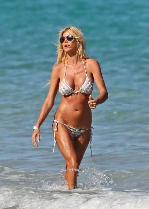 Victoria Silvstedt Bikini Photos: Miami 2014 -27