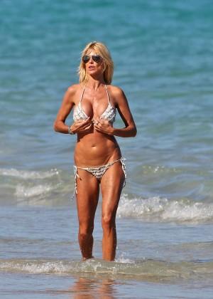 Victoria Silvstedt Bikini Photos: Miami 2014 -28