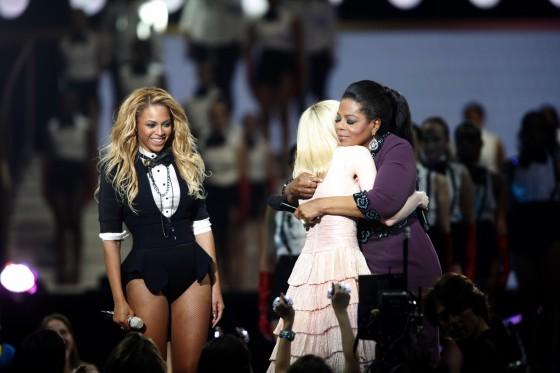 "Watch Beyonce ""Run the World"" On Oprah Farewell Show"