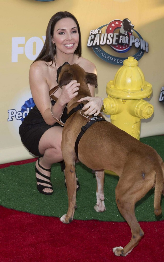 Whitney Cummings – FOX's Cause For Paws: An All-Star Dog Spectacular in Santa Monica