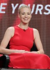 yvonne-strahovski-at-tca-summer-press-tour-dexter-panel-05
