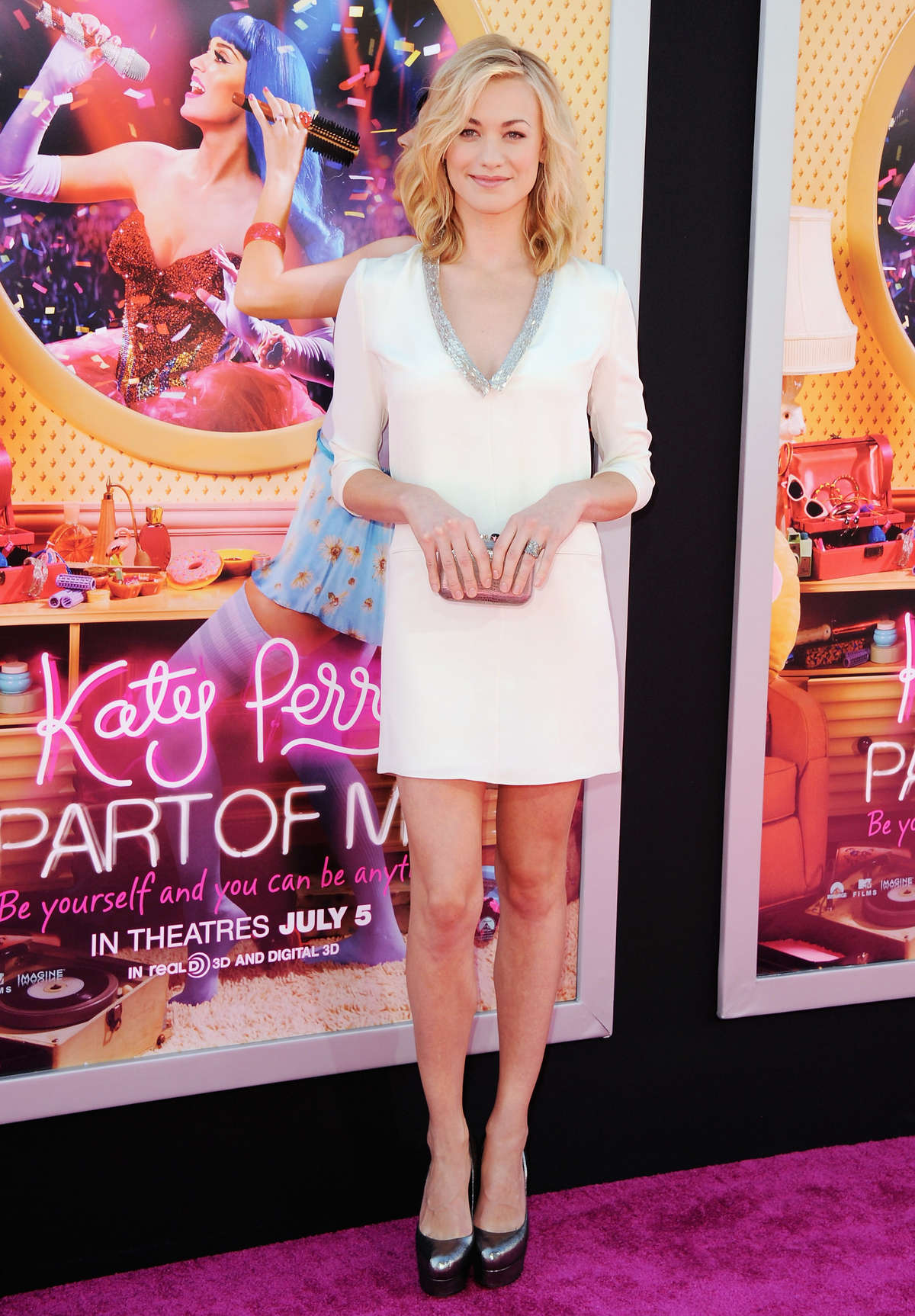 Yvonne Strahovski – in a short dress at Katy Perry Part Of Me premiere in LA-18