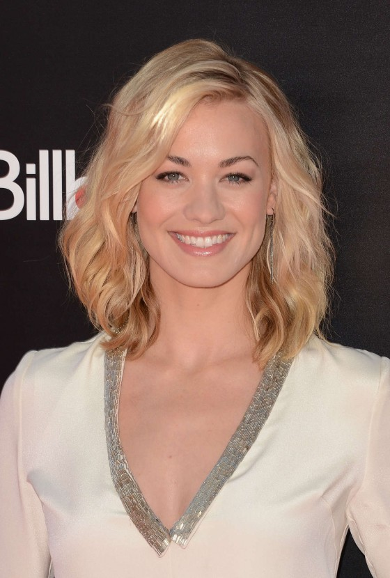 Yvonne Strahovski – in a short dress at Katy Perry Part Of Me premiere in LA-23