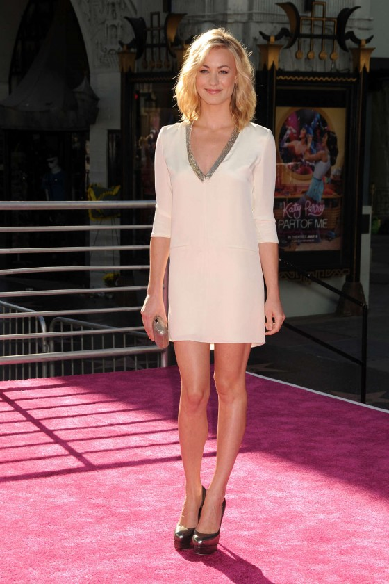 Yvonne Strahovski – in a short dress at Katy Perry Part Of Me premiere in LA-37