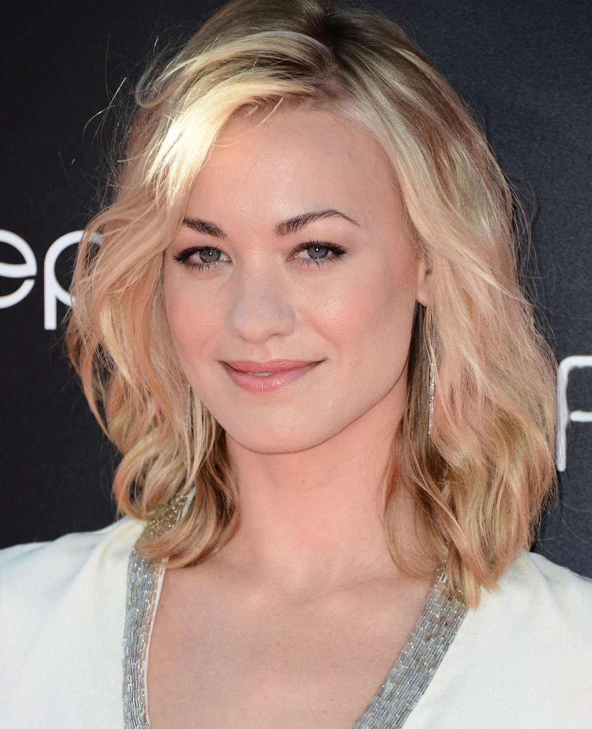 Yvonne Strahovski – in a short dress at Katy Perry Part Of Me premiere in LA-41