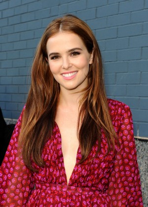Zoey Deutch - Diane Von Furstenberg Fashion Show in NYC