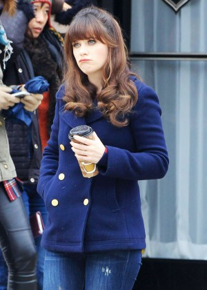 Zooey Deschanel - Filming 'New Girl' in Los Angeles