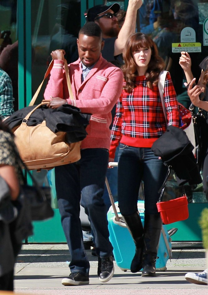 zooey deschanel in jeans on new girl set 09 gotceleb