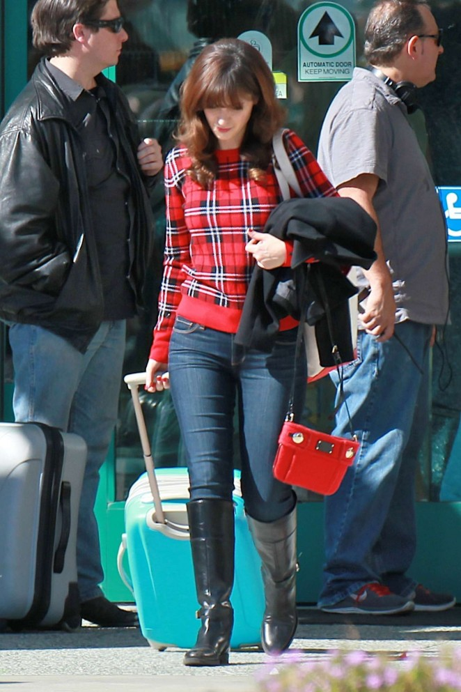 zooey deschanel in jeans on new girl set 17 gotceleb