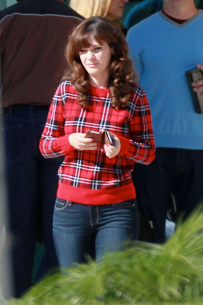 Zooey Deschanel in jeans on New Girl set -21
